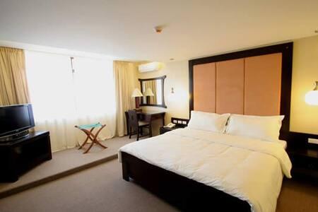 Luxury Suite on Coron Island - Coron