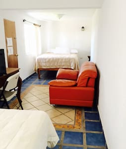 Habitación con 2 camas dobles,  ideal para 4 pax.