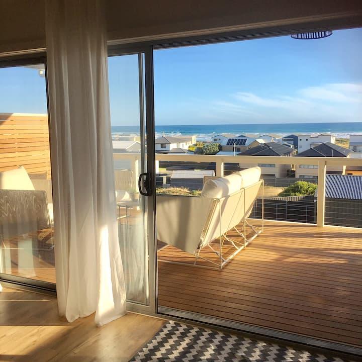 Fantastic Views, New 5 Bedroom House Sleeps 11