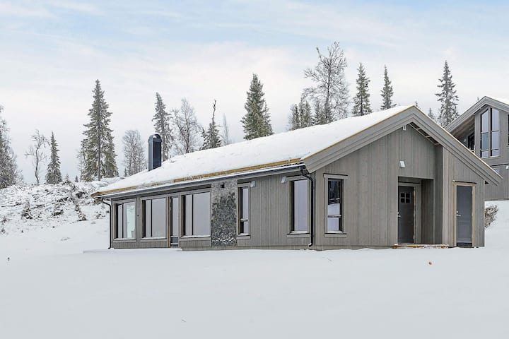10 person holiday home in Fåvang