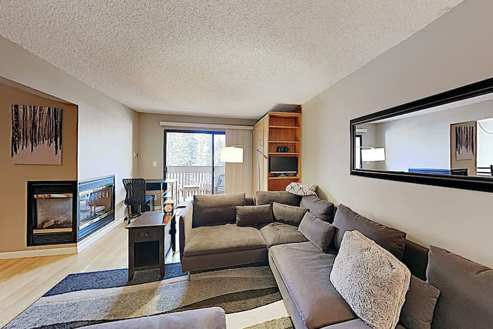 Updated Condo w/ Balcony on Gore Creek, Near Lifts