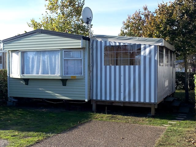 MOBIL HOME 726