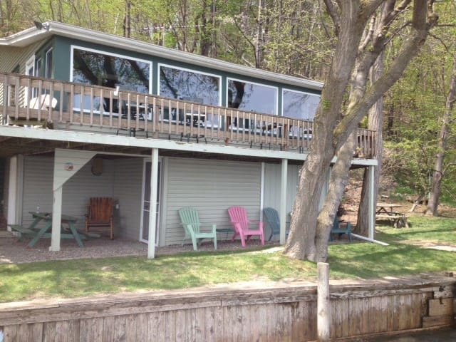 Seneca Lake Romantic Hideaway - Penn Yan - House