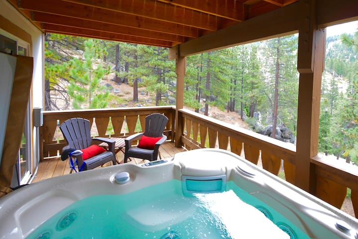 Mountain House with Hot Tub and Sauna