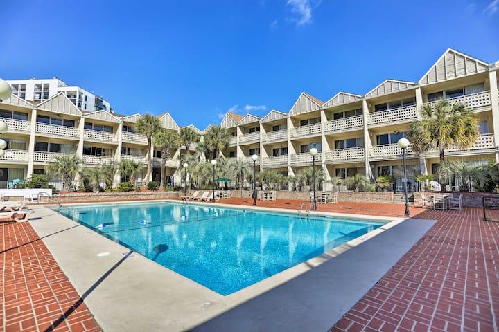 Myrtle Beach Pad w/Balcony + Pool & Hot Tub Access