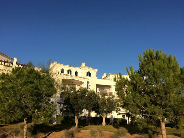 Penthouse prachtig vrij gelegen op zuid oost - Sucina - Pis