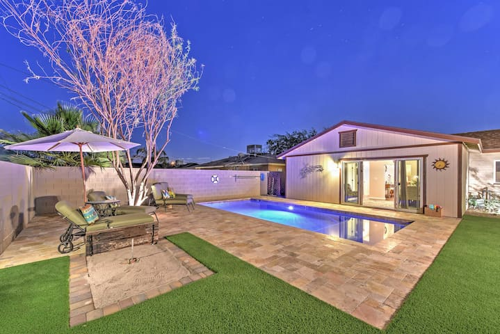 Gorgeous 2BR Scottsdale Home w/Heated Pool!