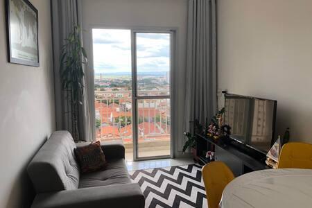 Apartamento Central Piracicaba/Quarto inteiro.