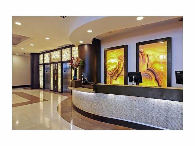 Presidential Suite in Hilton overlooking the Ocean - Fort Lauderdale - Condominium