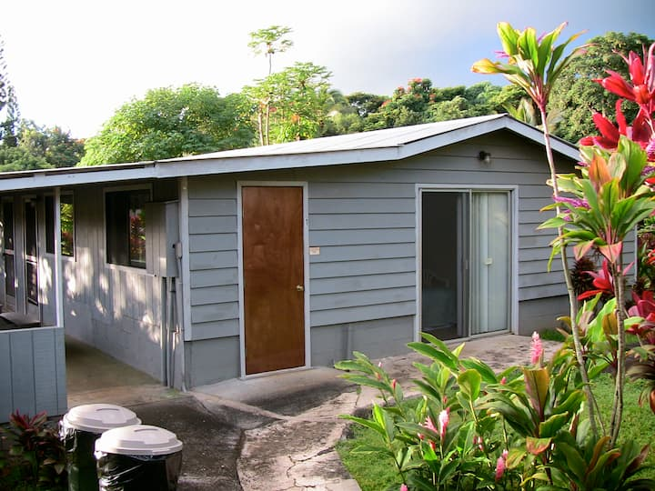 Home Hana Hale $316. per night for 6 people