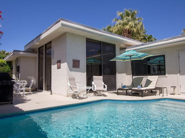 Modern condo w/private saltwater pool, patio & shared pool/hot tub - 2 dogs OK!