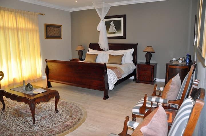 Tenikwa Nature Lodge - Deluxe King Room
