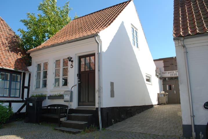 Romantisk byhus i Sønderborg Centrum