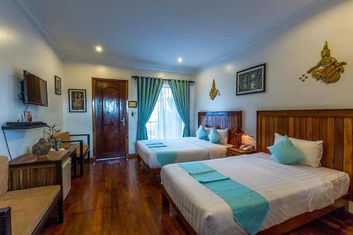 Triple Rm 1Big1Small Bed Free Breakfast & Pick-up
