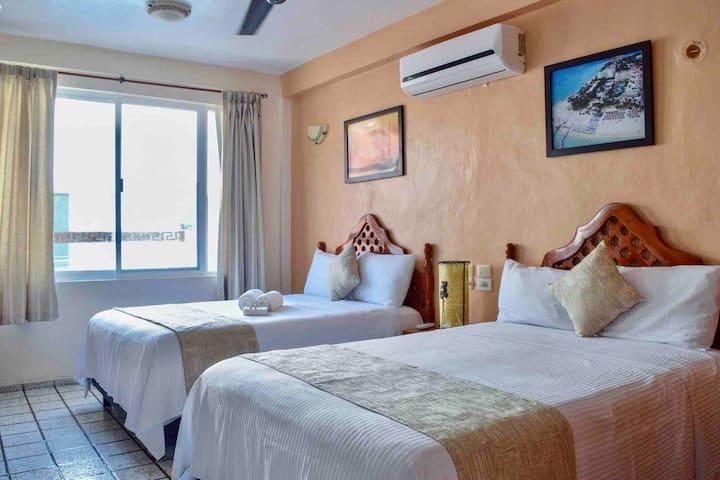 Hotel Bucaneros - Junior Suite 201 c/Sala y Balcón