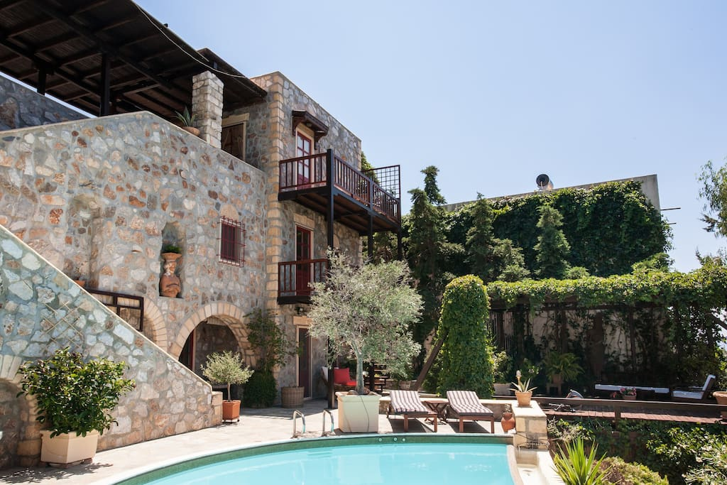 Here you can see the Guesthouse with balconies, which is situated at two upper levels