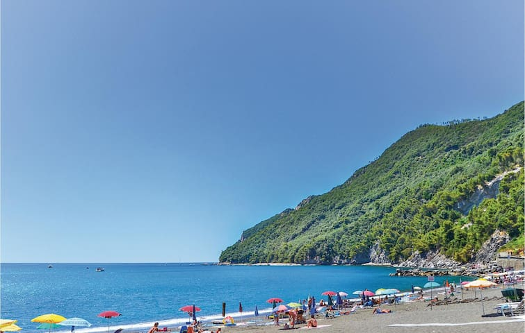 Holiday apartment with 2 bedrooms on 80m² in Riva Trigoso -GE-