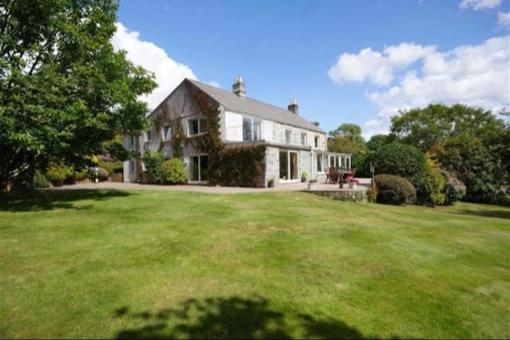 Polyear Farm House nr Eden project & Heligan Gdns - Trelowth - Casa