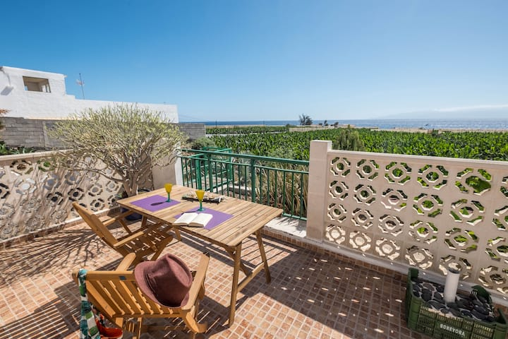 """Traditional and Quietly Situated Holiday Home """"Casa Tabaiba"""" in Alcalá with Sea Access, Own Terrace and Wi-fi; Pets Allowed, Parking Available"""