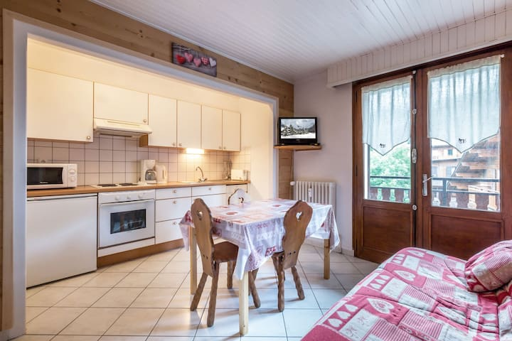2 rooms, center of the village, proximity immediate shopes / slopes Champ Giguet