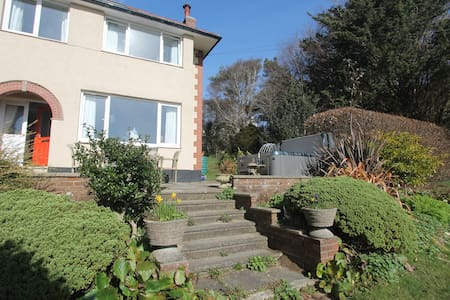 House near Fishguard with large garden and hot tub