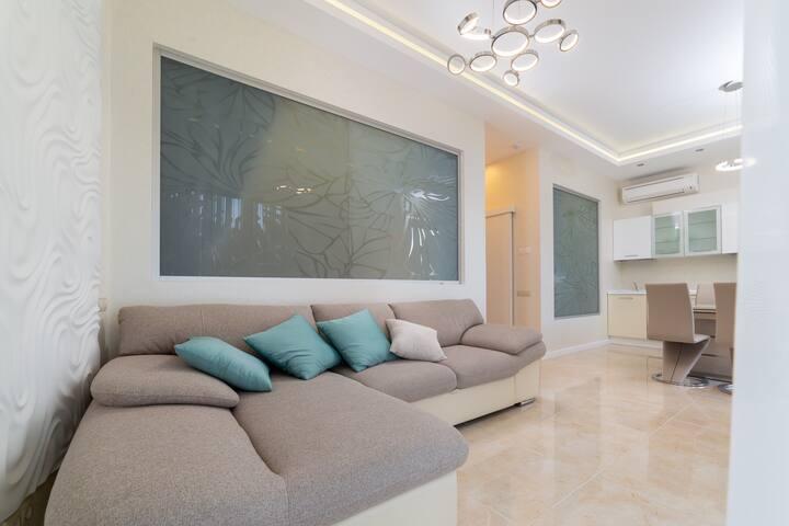Современные Апартаменты в Сочи с 2-мя спальнями