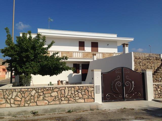 Casa al mare per famiglie e coppie - Torre San Giovanni - Haus