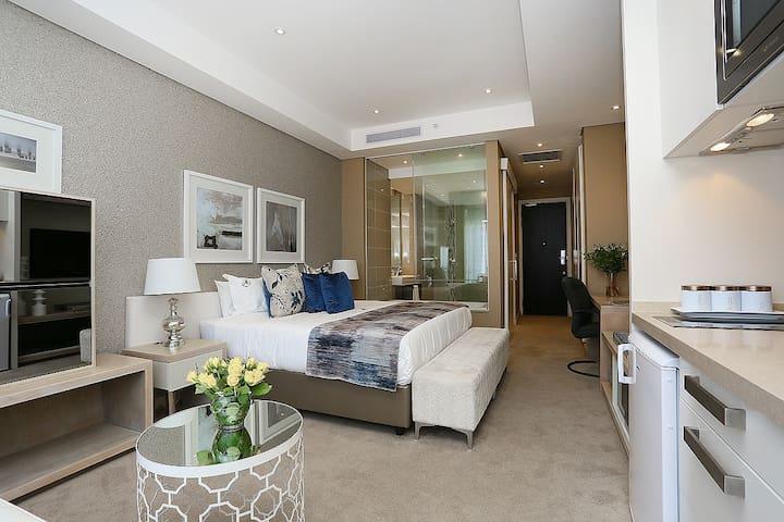 Opulent Studio Apartment @ Sandton Skye 305