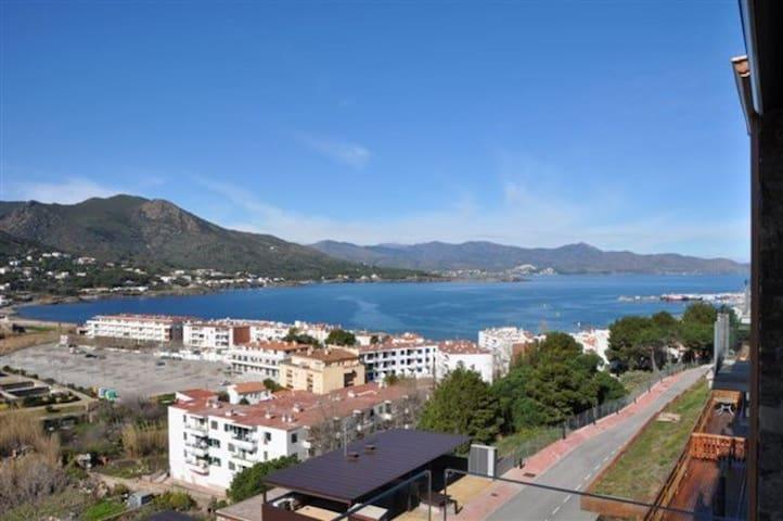 131 Apartment with sea views and terrace - El Port de la Selva - Appartement