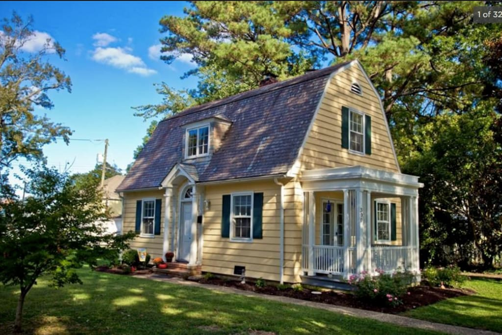 Historic Gem In The Heart Of Hilton Village Houses For