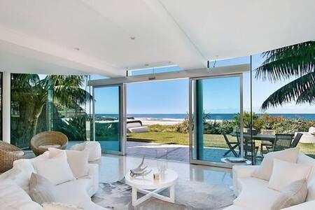 Designer 4bed home on the Beach! - North Avoca - Rumah