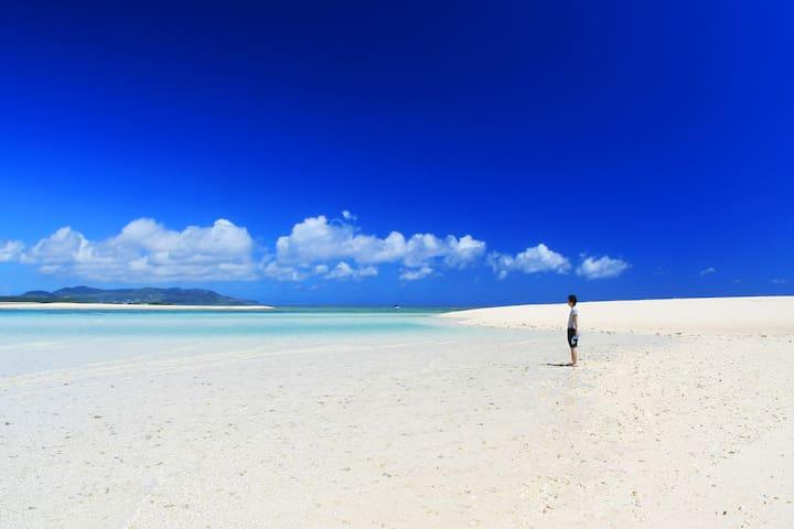 Okinawa 30min←Naha Airp. KumeIsland near beach