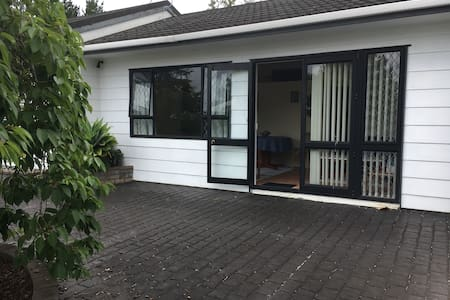 Auckland Rural-Ty Bryn Country Stay in Kaukapakapa - Helensville - Appartement