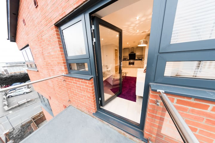 Premium 2 Bedroom Apartment in Reading Town Centre - Reading - Appartement