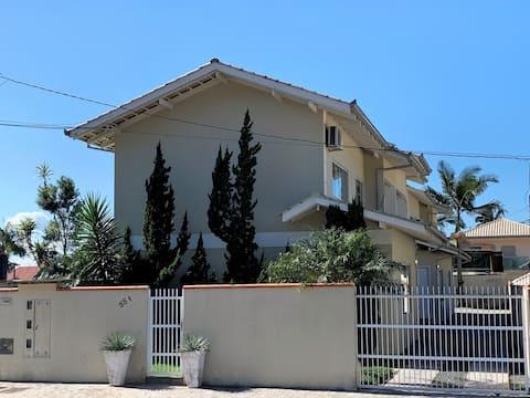 Casa em Joinville:Conforto, localização, segurança