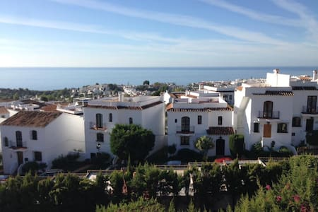 Private Villa with Roof Terrace, Pool and Gardens - Nerja - Villa