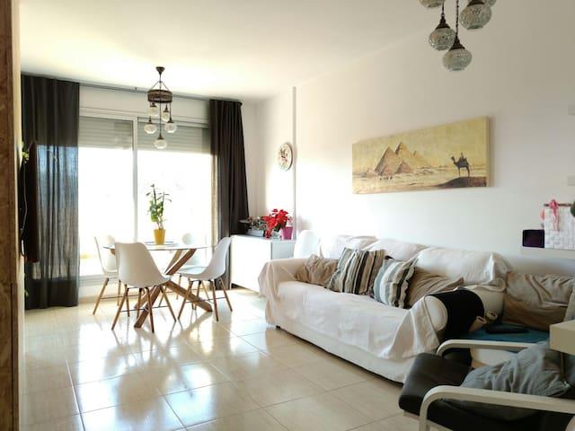 Atico con encanto, con habitacion doble privada - Sarrià de Dalt - Daire