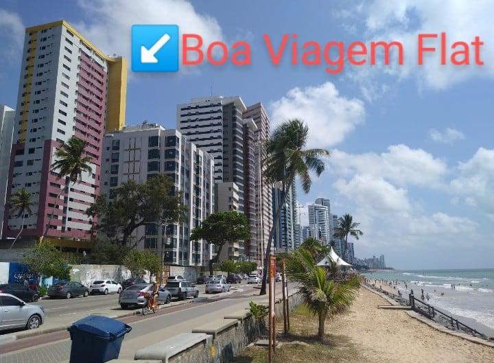 Flat mobiliado, a 50m da Praia de Boa Viagem.