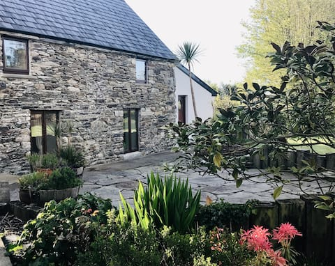 Charming Converted Barn near Clonakilty.