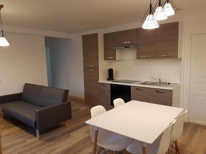 Appartement 2 chambres tout confort centre village