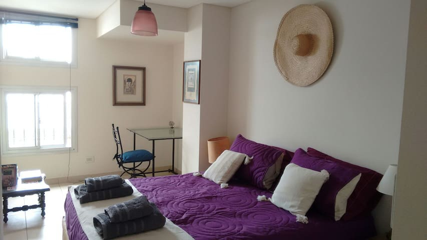 Low Cost!! Wifi, Parking, Free transfer*, Castelli - Godoy Cruz - Apartmen
