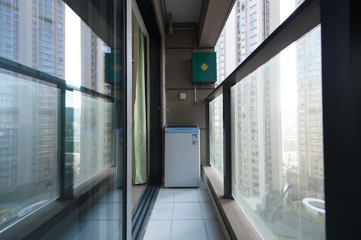 大阳台可以洗衣服哟