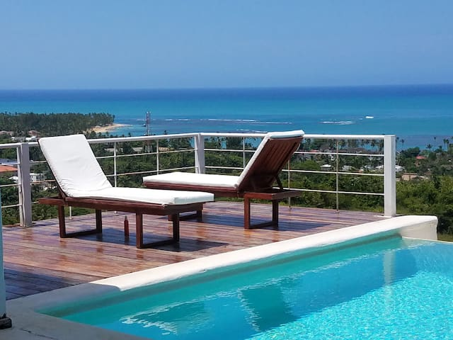 Beautiful villa with magnificent sea view