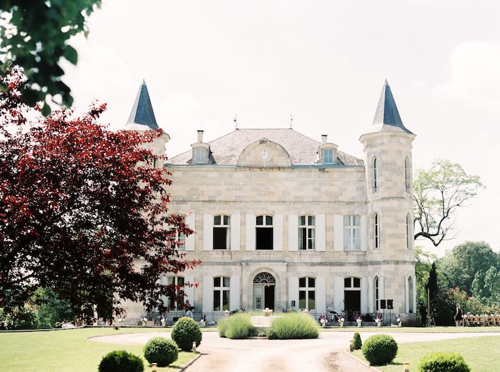 Exclusive Fairytale Castle: with Pool, Games, Lake