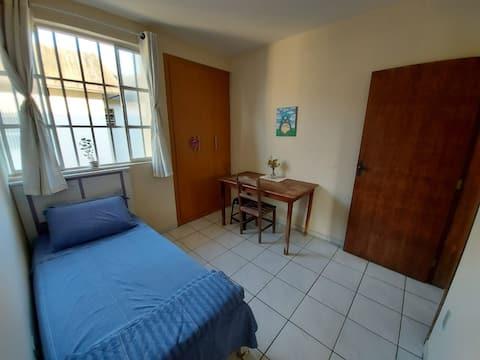 Quarto em Apartamento na Ilha dos Araújos
