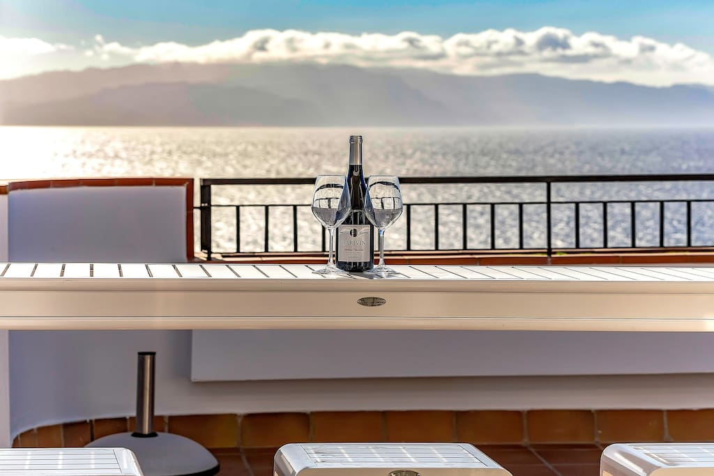 Terrace with stunning view over the Atlantic and La Gomera
