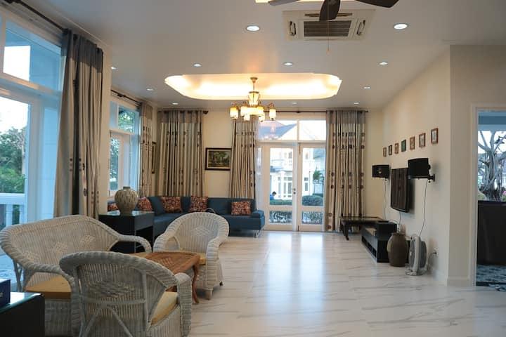 Phan Thiet @Sealinks Resort LUXURY 5 bdrs Villa