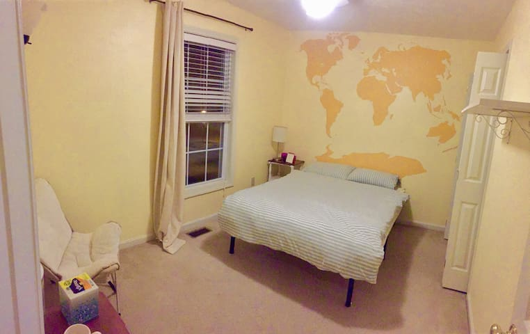 World map room in 3b3b