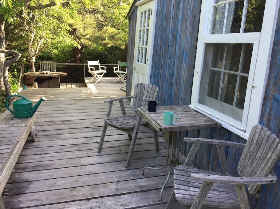 Front deck points to back deck on 3 levels for relaxing in sun or shade.