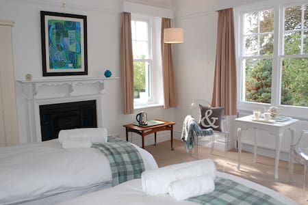 The Poplars, Barnstaple B&B Twin Room. - Barnstaple - Bed & Breakfast